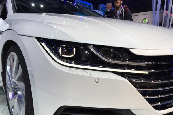 VW Arteon Genf Scheinwerfer