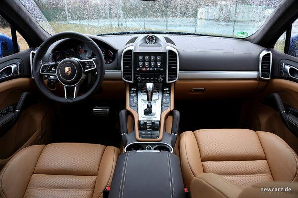 Porsche Cayenne S Diesel Armaturenbereich