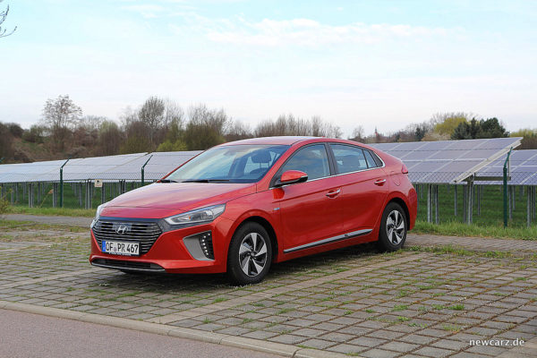 Hyundai IONIQ Hybrid Solar