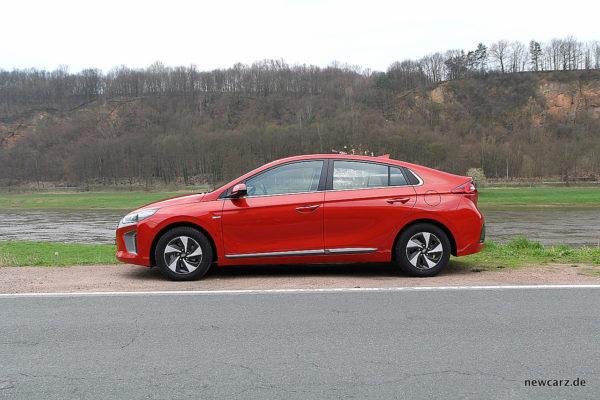 Hyundai IONIQ Hybrid Seitenansicht
