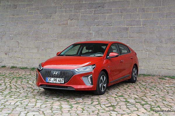 Hyundai IONIQ Hybrid Parking