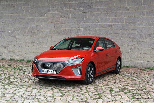 Hyundai IONIQ Hybrid Parking