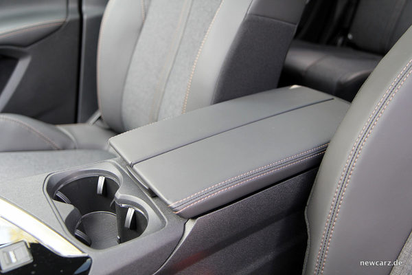 Peugeot 5008 Mittelkonsole