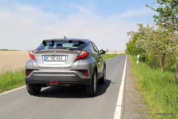 Toyota C-HR schräg hinten