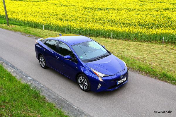 Toyota Prius IV schräg oben
