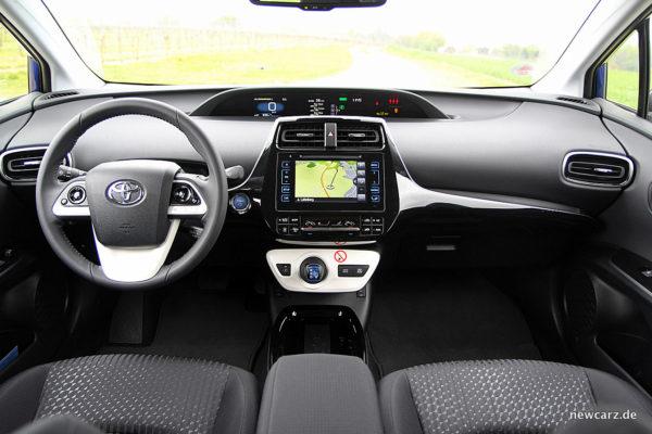 Toyota Prius IV Cockpit