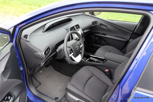 Toyota Prius IV Interieur