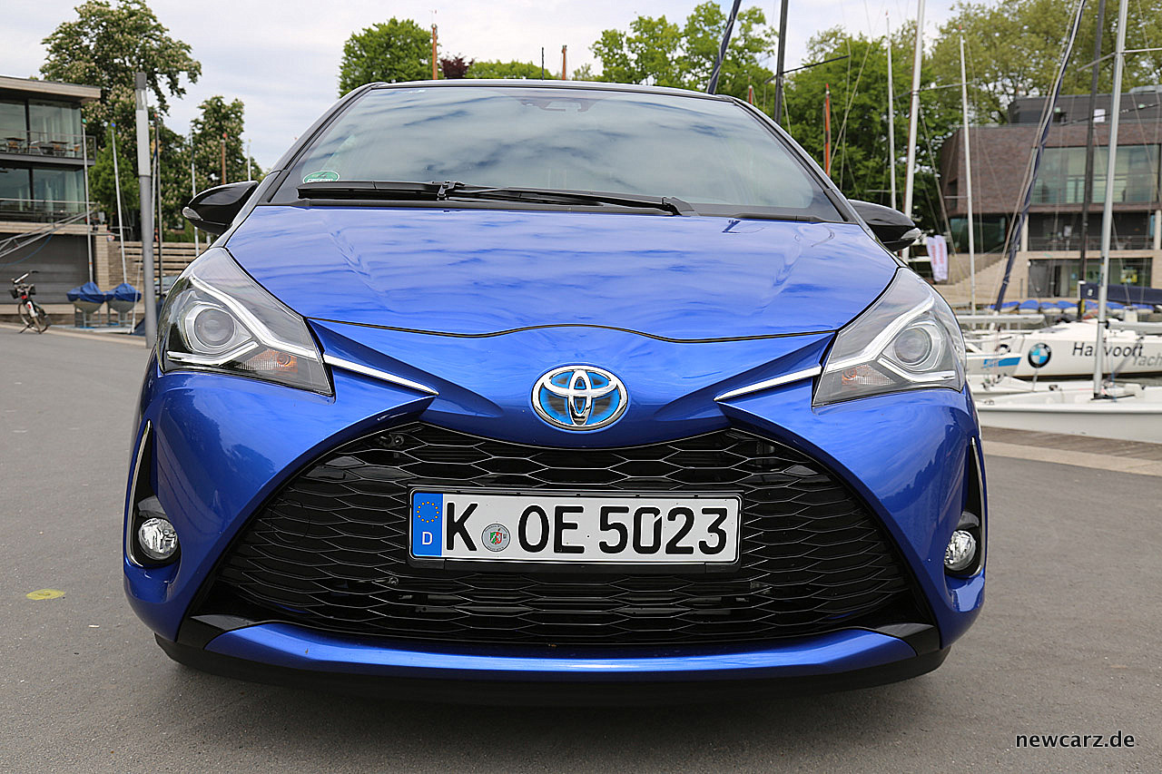 Toyota yaris 2017 j nger urbaner moderner for Interieur yaris 2017