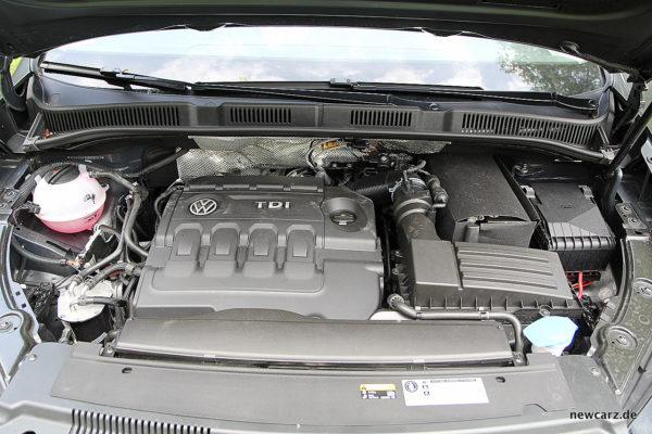 VW Sharan Motorraum