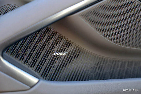 Porsche 718 Boxster S Bose