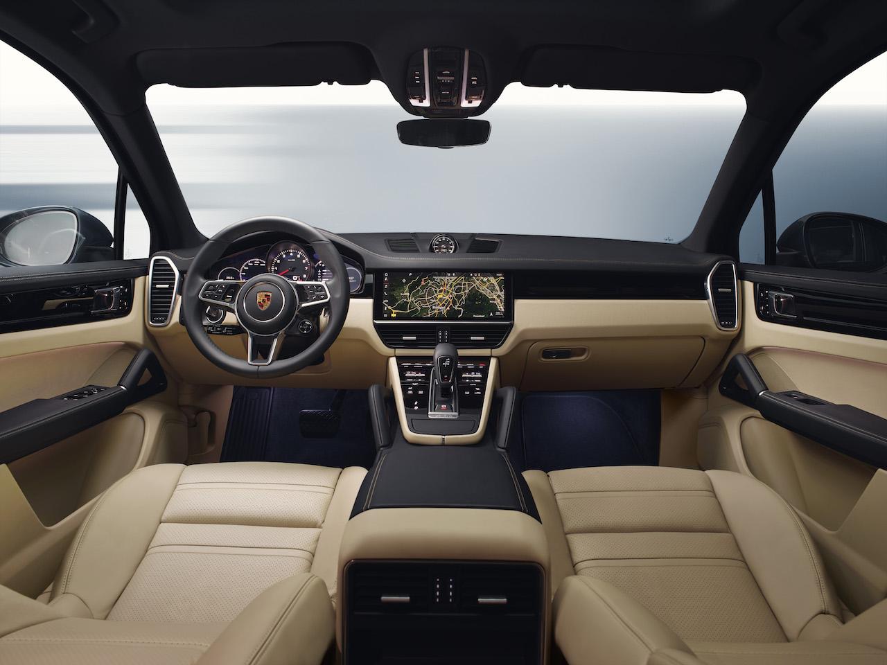 Porsche cayenne weltpremiere der dritten generation for Interieur porsche cayenne