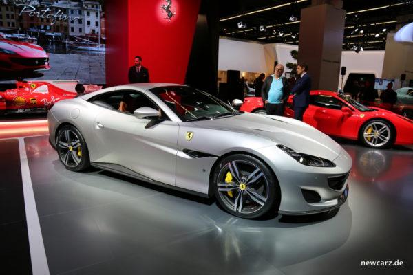 Ferrari Portofino schräg Seite