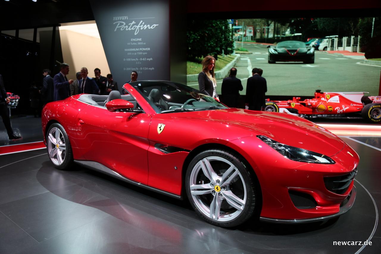 Ferrari-Portofino schräge Seitenansicht