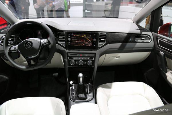 VW Golf Sportsvan Innenraum