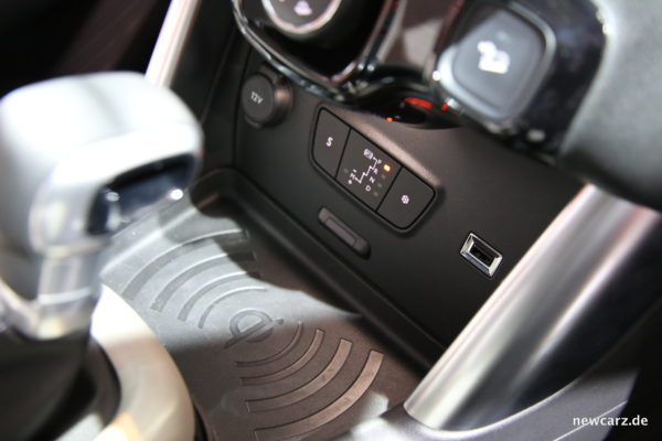 Citroën C3 Aircross induktive Ladestation