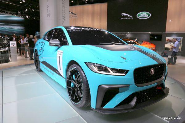 Jaguar i-Pace e-TROPHY schräg vorn