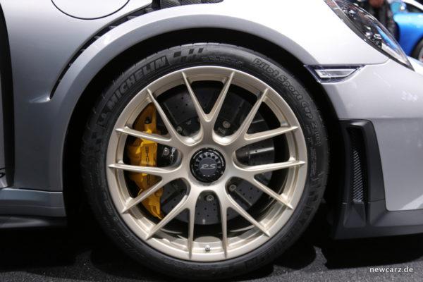 Porsche 911 GT2 RS PCCB