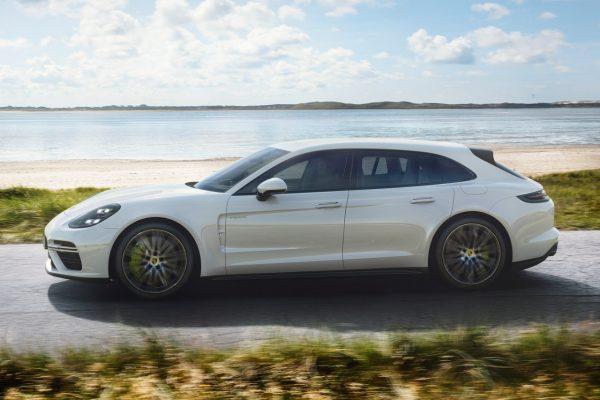 Porsche Panamera Sport Turismo Turbo S E-Hybrid Seite
