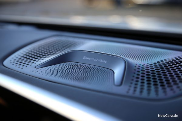 BMW 7er Bowers & Wilkins Diamond Surround Sound System