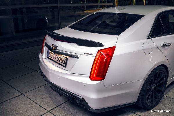 Cadillac CTS-V Spoiler