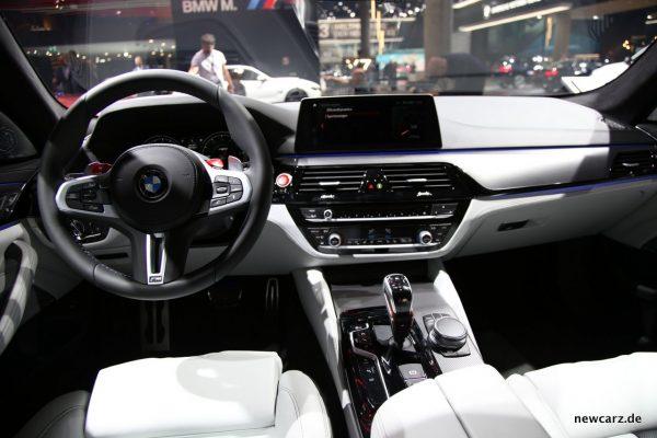 BMW M5 Interieur Fahrersitz Beifahrer