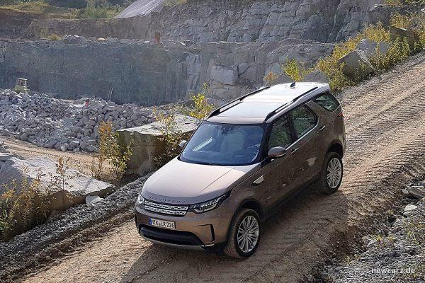 Land Rover Discovery 5 vorn schräg oben
