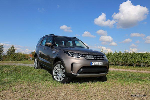 Land Rover Discovery 5 schräg vorn rechts