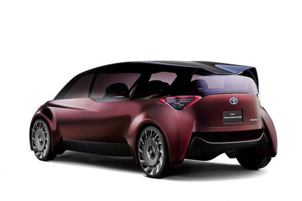 Toyota Fine-Comfort Ride Exterieur Heck