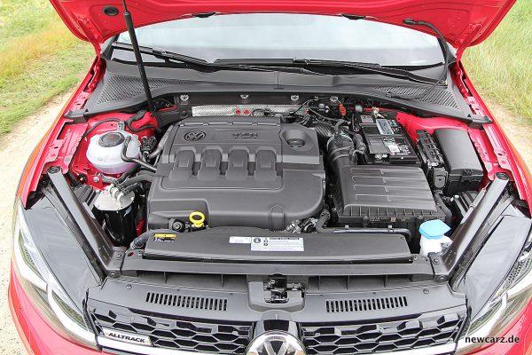 VW Golf Alltrack Variant Motorraum