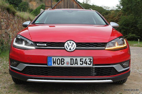 VW Golf Alltrack Variant Front
