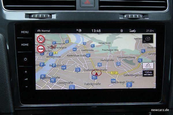 VW Golf Alltrack Variant Navigationssystem.