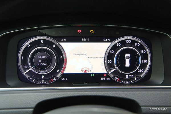 VW Golf Alltrack Variant Active Info Display