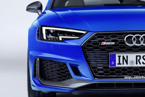 Audi RS 4 Avant Front Licht