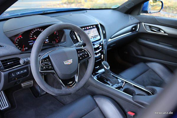 Cadillac ATS-V Fahrerplatz