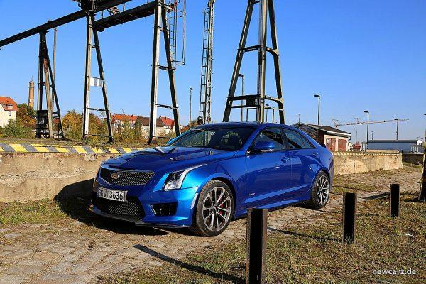 Cadillac ATS-V schräg vorn links