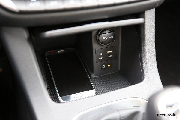Hyundai i30 Ladestation