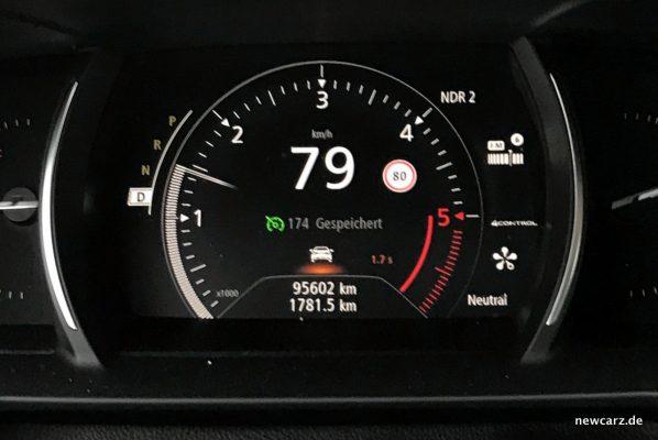 Renault Talisman Tachometer in Fahrt