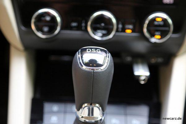 Skoda Octavia Combi Facelift Schaltknauf