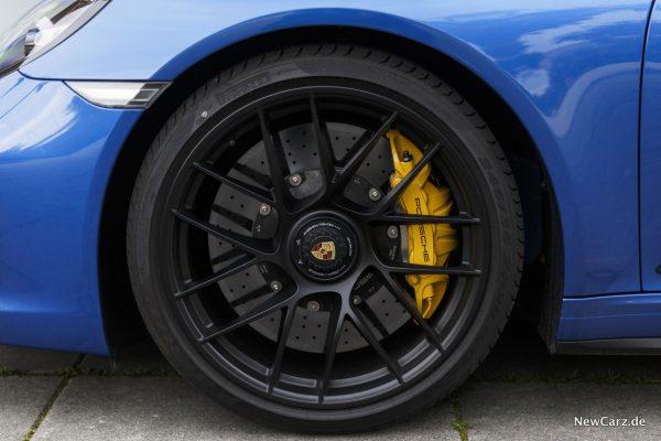Porsche 911 Targa 4 GTS Keramikbremse