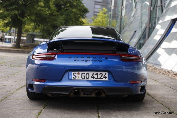 Porsche 911 Targa 4 GTS Heckansicht