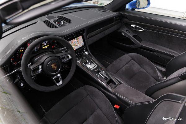 Porsche 911 Targa 4 GTS Interieur