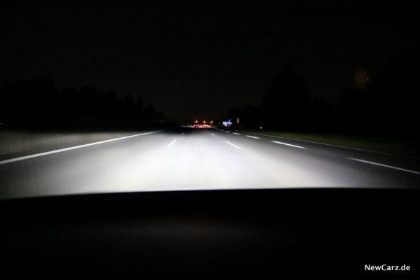 VW Polo LED Scheinwerfer Ausleuchtung Autobahn