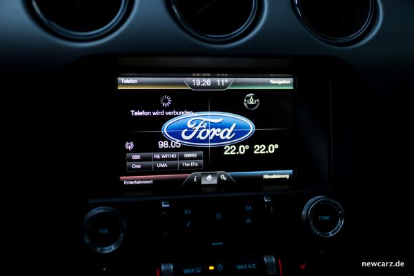 Ford Mustang GT Convertible Touchscreen