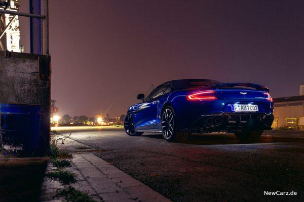 Aston Martin Vanquish S Volante Heck