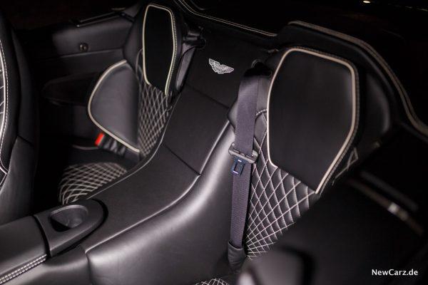 Aston Martin Vanquish S Volante Rücksitze
