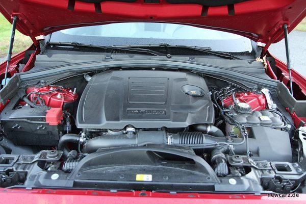Jaguar F-Pace Motorraum