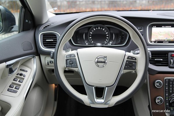 Volvo V40 Facelift Lenkrad
