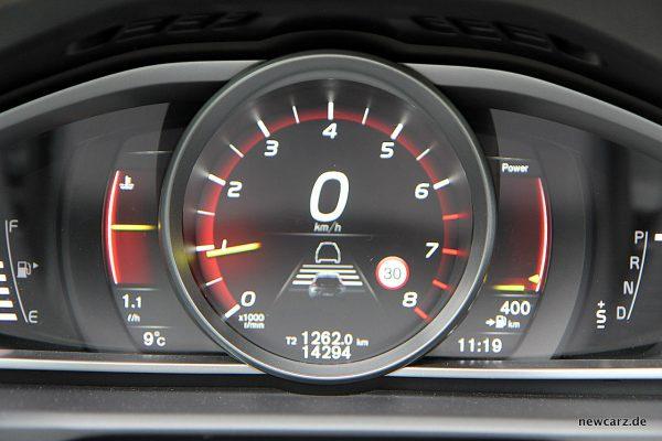 Volvo V40 Facelift Tacho