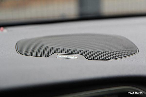Volvo V40 Facelift Harman Kardon