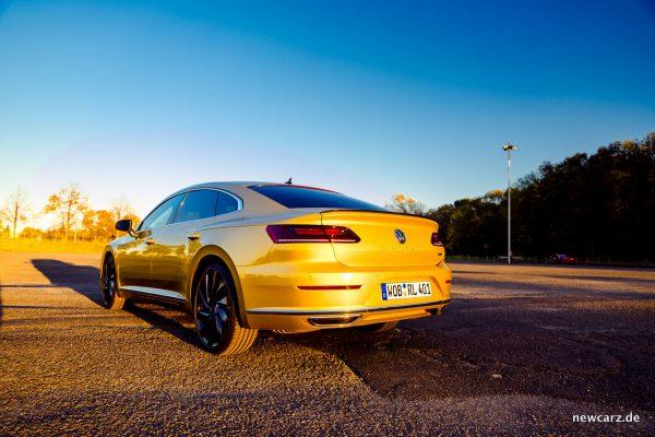 VW Arteon 4Motion schräg hinten